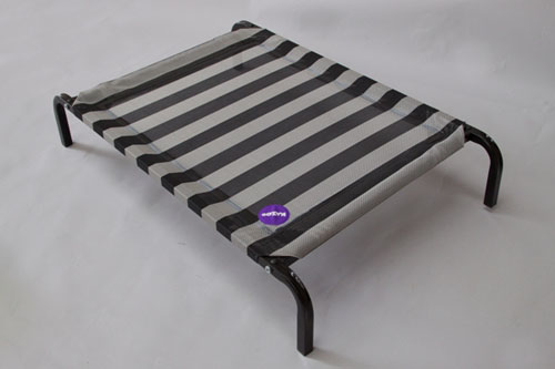 KAZOO DAY DREAM DOG BED CLASSIC BLACK AND WHITE 